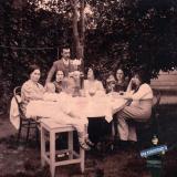 Ейск. Чаепитие во дворе, около 1914 года