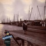 Ейск. В порту. Шура К. на мосту, 1914 год