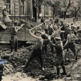 1949 год. Укладка трамвайных путей на ул. Коммунаров