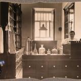 Екатеринодар. Служащий в аптеке лазарета общины, 1915 год