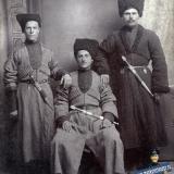 Екатеринодар. Военфельдшер Иван Григорьевич Голубка с товарищами.