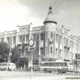 Краснодар. Угол улиц Красной и Ворошилова (Гимназической), конец 70-х - начало 80-х