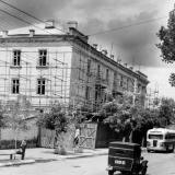 Краснодар. Улица Сталина, жилой дом завода Октябрь, 1951 год.