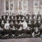 Екатеринодар. Учащиеся 1-й Екатеринодарской женской гимназии, 1916 год