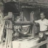 Колодец в одном из дворов дома частного сектора ( район МЖК )