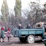 """Краснодар. Детская площадка в скверике """"Со слоном"""", осень 1972 года, вид на восток"""