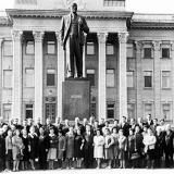Краснодар. Комсомольские работники 40-х годов у Крайкома КПСС.