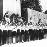 Краснодар. Приём в пионеры у памятника воинам-освободителям города от немецко-фашистских захватчиков