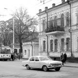 Краснодар. Троллейбус на улице Октябрьской. 27 декабря 1980 г.