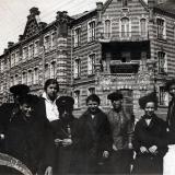 Краснодар. У здания КСХИ, 1930 год.