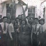 Краснодар. Ученики 10-го класса мужской средней школы №28 перед Первомайской демонстрацией 1952 года