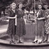 Краснодар. В сквере на улице Тельмана. 2 мая 1952 год.