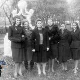 Краснодар. В сквере. Ноябрь 1950 года.