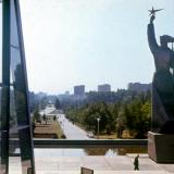 "Краснодар. Вид от кинотеатра ""Аврора"" на улицу Красную. Конец 1970-х"