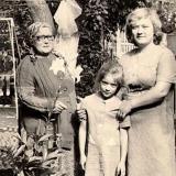 Краснодар. Двор дома по ул. Шаумяна, 85. 1979 год