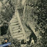 Горячий ключ. Грот и лестница имени Гоголя под отвесной скалой, до 1917 года