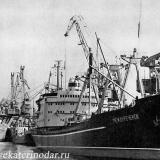 Новороссийск. У причала морского порта, 1966 год