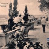 """Сочи. Вид на море из """"Китайской беседки"""" в Ермоловском парке во время прибоя, до 1917 года"""