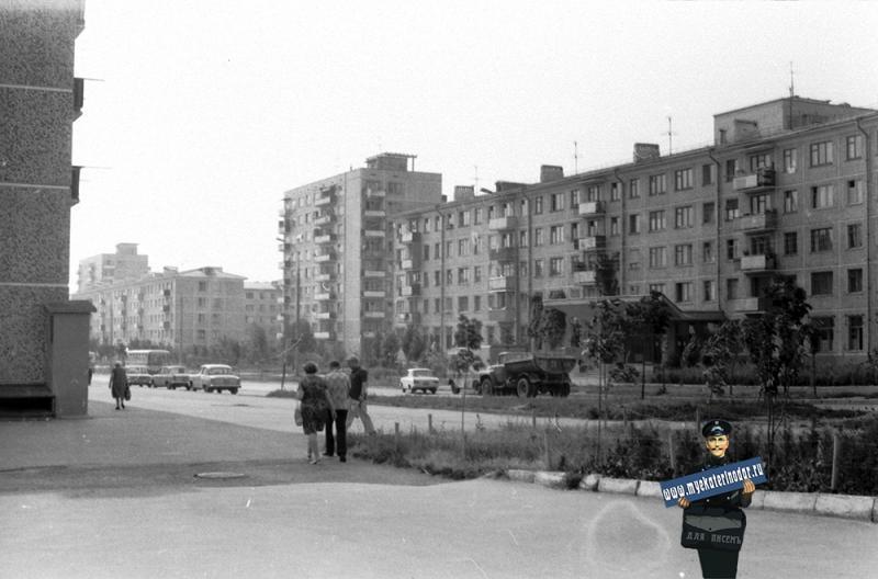 Краснодар. ул. Атарбекова, поликлиника № 9. 1978 год