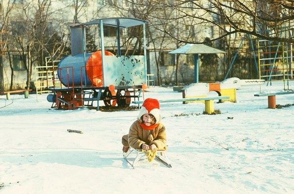 Краснодар. Детская площадка на Московской 2/1, 1987 год