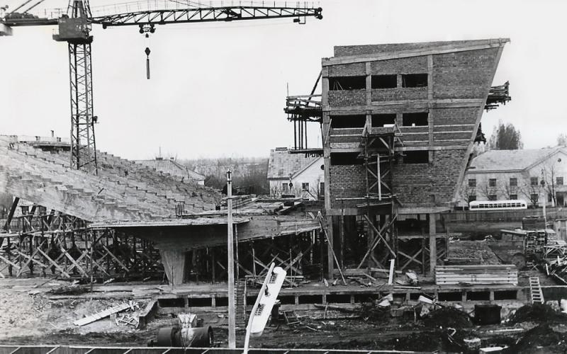 """Краснодар. Строительство кинотеатра """"Аврора"""", 1965-66 года."""