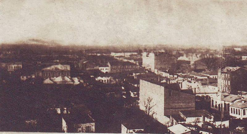 Краснодар. Общий вид на перекресток улиц Орджоникидзе и Красноармейской, 30-е годы. Левая часть.