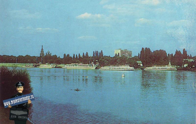 Краснодар. Река Кубань, вид на город