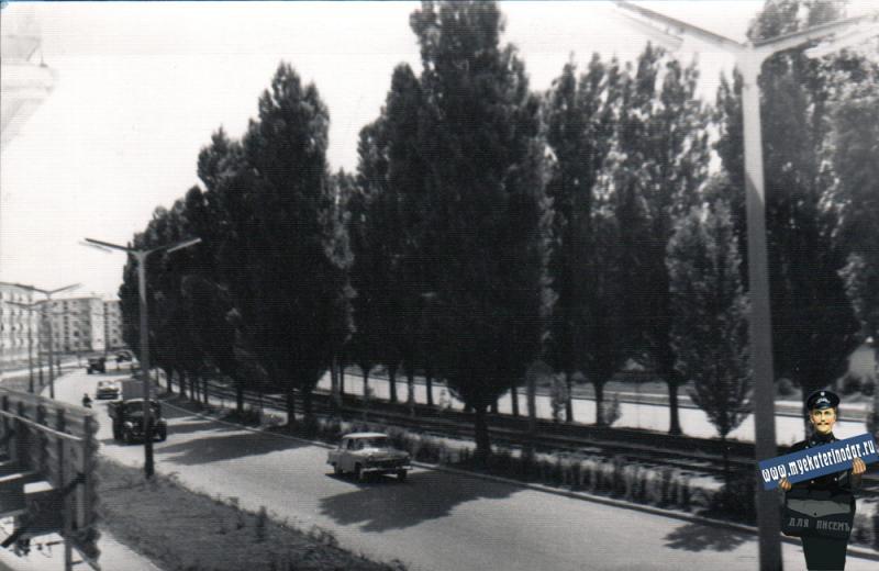 Краснодар. Ставропольская улица, фото из окна д.105, вид на восток