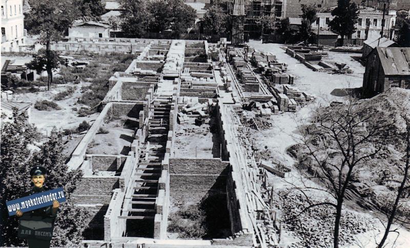 Краснодар. Строительство Дома Советов. 1952 год.