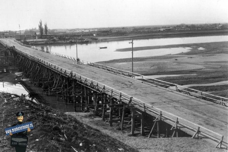 Краснодар. Старый мост через Кубань у пос. Яблоновского.