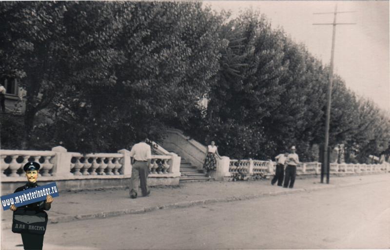 Краснодар. Угол улиц Мира и Гудимы, вид в сторону улицы Ленина, 1963 год