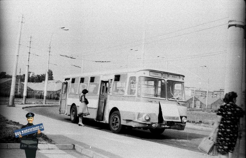 "Краснодар. Конечная остановка  ""Водолечебница"". 1978 год"