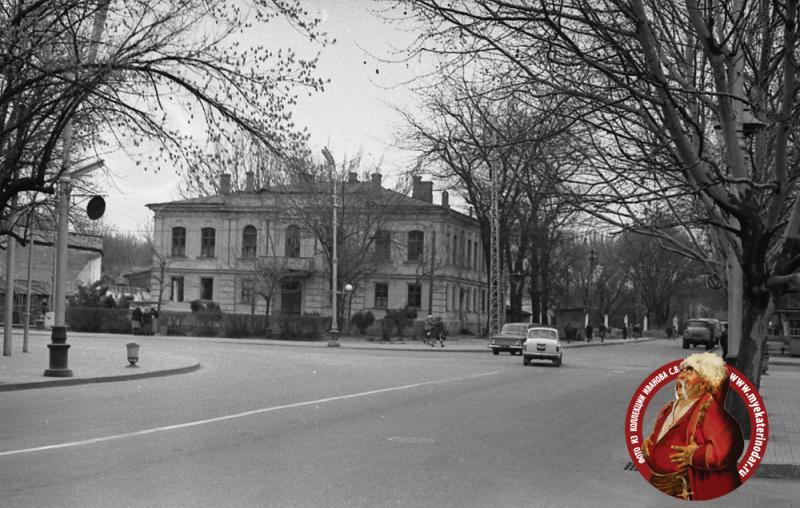 Краснодар. Угол улиц Красной и Тельмана (Красная, дом 2), 1968 год
