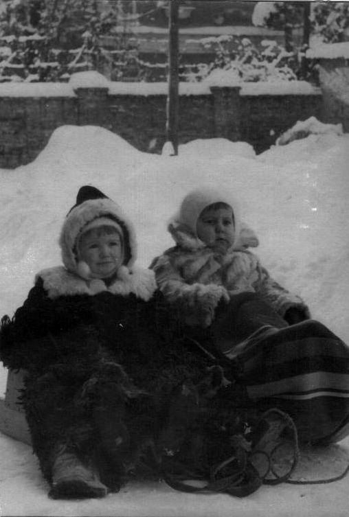 Краснодар. Двор по ул. Красной, 17. Январь 1955 года