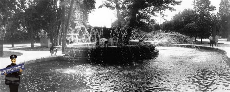 """Краснодар. Фонтан """"Подкова"""" на площади Труда, 1987 год."""