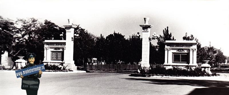 Краснодар. Угол Красной и Будённого, вид на восток.