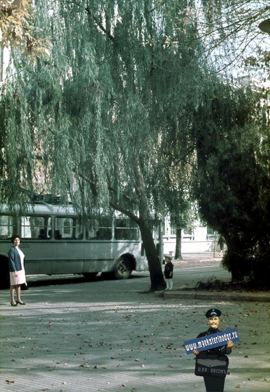 Краснодар.Угол улиц Красной и Пушкина, вид на восток, 1971 год
