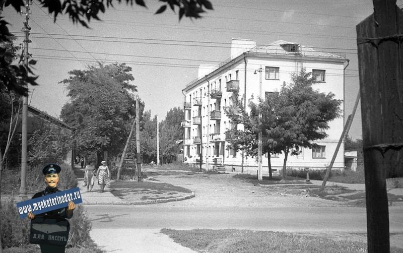 Краснодар. На перекрёстке улиц Северной и Котовского