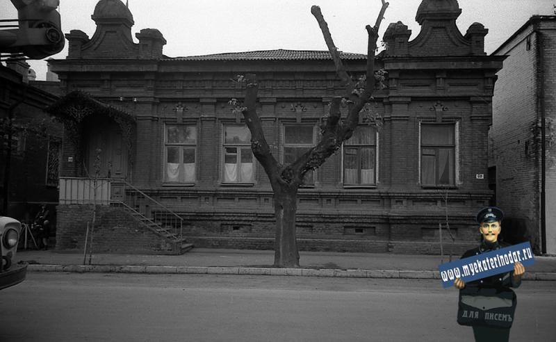 Краснодар. На улице Октябрьской. № 60