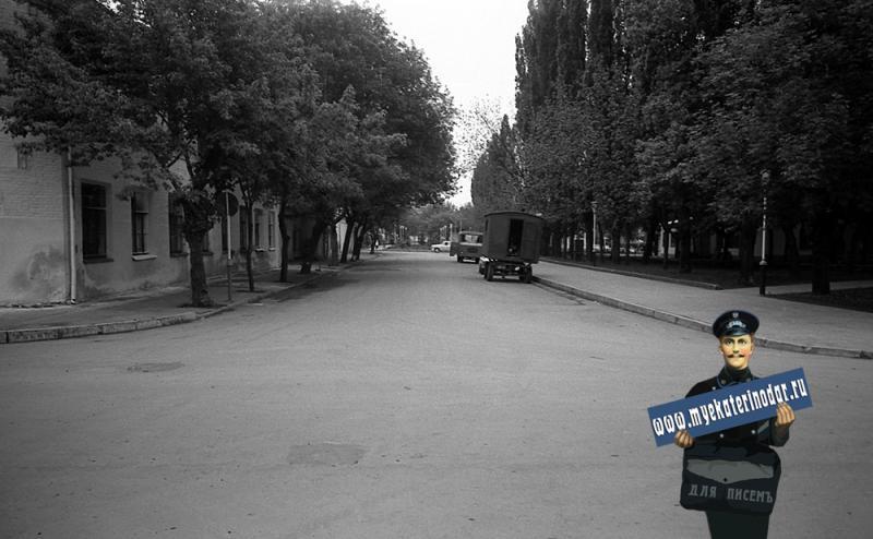 Краснодар. На улице Октябрьской. Перекрёсток с Орджоникидзе, вид на восток.