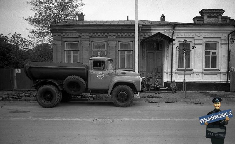Краснодар. На улице Октябрьской. № 96