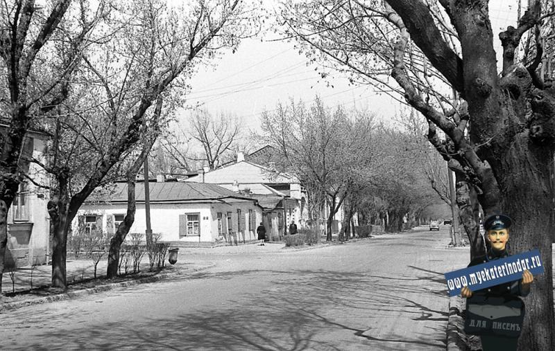 Краснодар. Вид на перекресток улиц Октябрьской и Советской, 1965 год.
