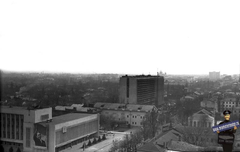Краснодар. Перекресток улиц Красной и Клары Цеткин, вид на юго-восток. 1977 год