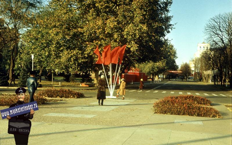 Краснодар. Перекресток улиц Тельмана и Красной. Вид на север, 1982 год