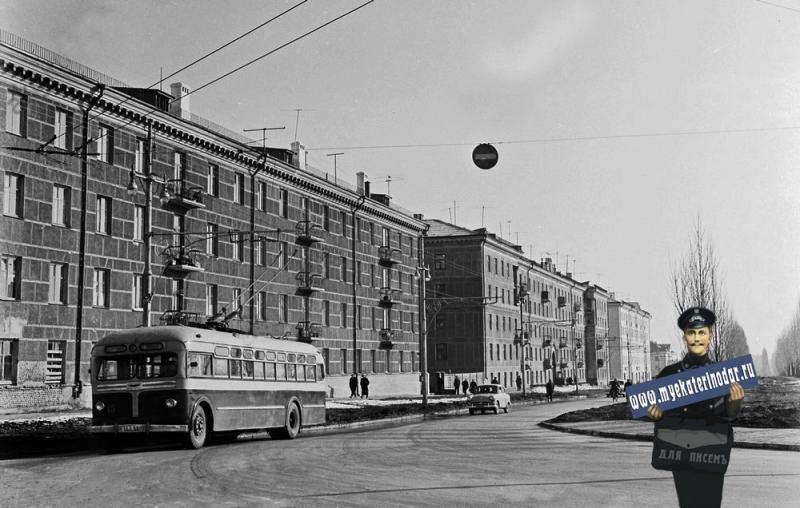 Краснодар. Новые жилые дома рабочих Краснодарского завода электроизмерительных приборов.