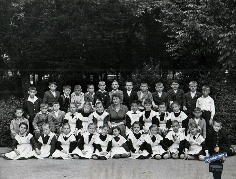 Краснодар. Школа № 48. 1963 год. 2Б класс