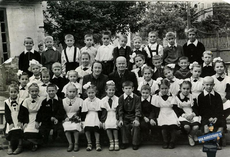 Краснодар. СШ №3 угол ул. Коммунаров и Северная, 1956 год
