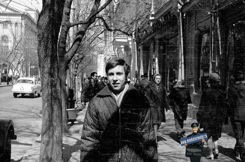Краснодар. У школы № 36, около 1969 года