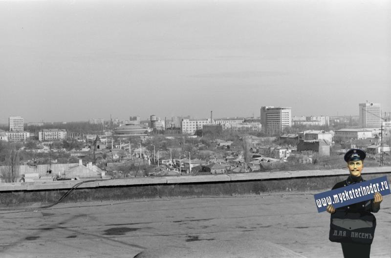 Краснодар. ул. Чапаева между Октябрьской и Кирова, вид на северо-восток, 1984 год
