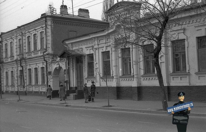 Краснодар. ул. Октябрьская 57 и 59, конец 1970-х